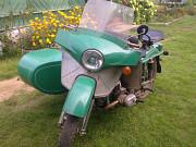 Мотоцикл Урал с прицепом и корзиной Москва
