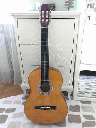 Продам гитару в чехле. Минск