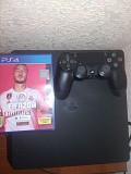 Продаю приставку PlayStation 4 Slim (500 GB) вместе с диском FIFA 20 Киев