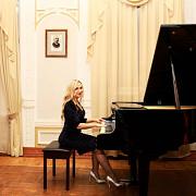 Педагог по вокалу/фортепиано Киев